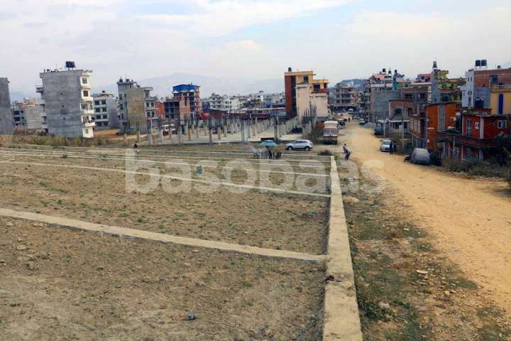 Land on Sale at Naya Thimi