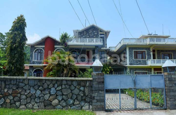 House on Sale at Dam Side