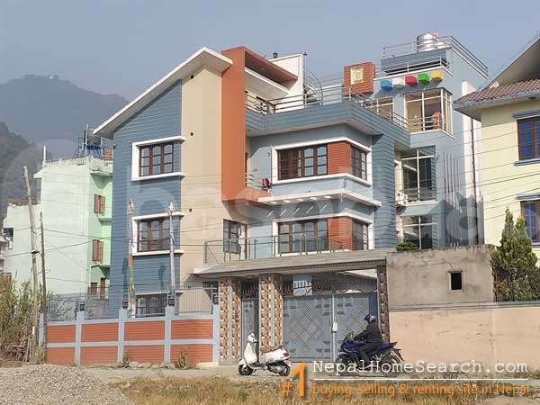 House for Sale in Thulo Bharyang