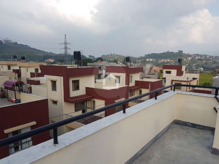 House for Sale in Chovar