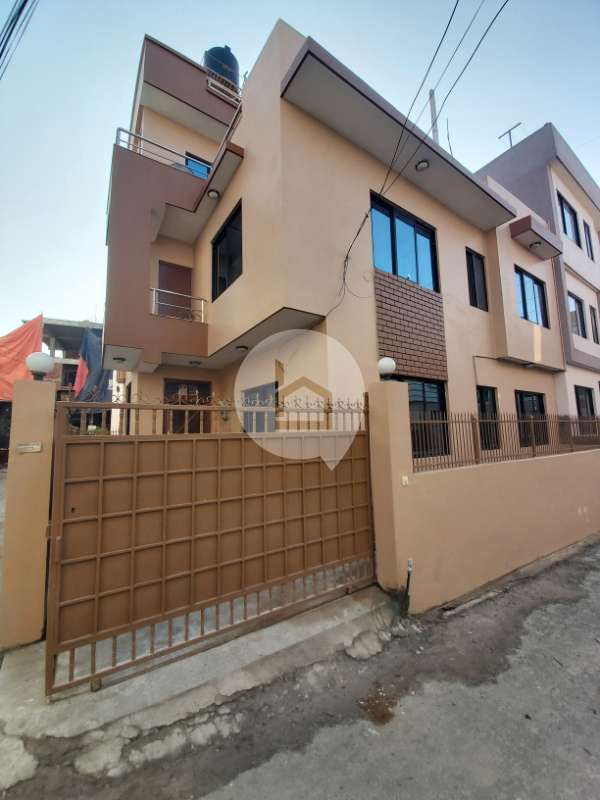 House for Sale in Gwarko