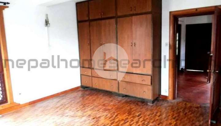 Flat for Sale in Kapan