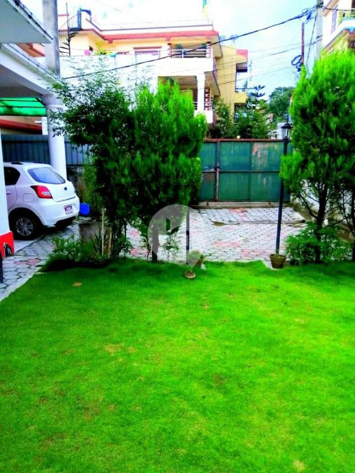 House for Sale in Makalbari